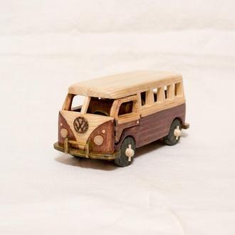 Машинка из дерева / Микроавтобус
