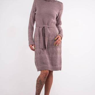 Бежевое вязаное шерстяное платье- свитер