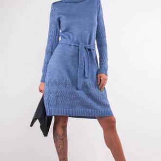 Голубое вязаное мини платье- свитер с поясом