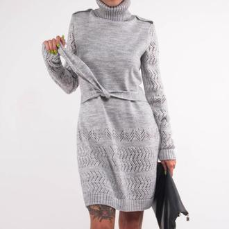 Серое трикотажное шерстяное мини платье