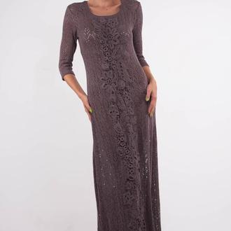 Коричневое вечернее вязаное макси платье с цветочным принтом