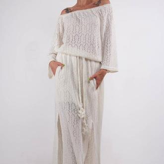 Белое ажурное вязаное макси платье с разрезами и карманами