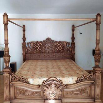Кровать ,резьба,массив, ольха
