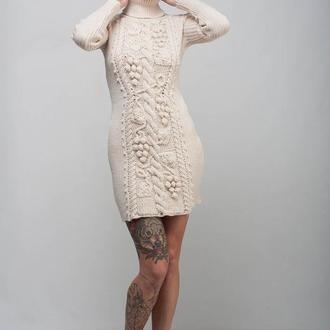 Кремовое вязаное мини платье-свитер