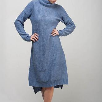 Голубое вязаное миди платье свободного силуэта