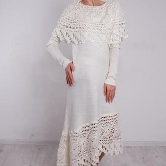 Белое вязаное ажурное миди платье