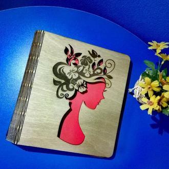 """Деревянный блокнот А5 """"Девушка-весна"""" (на цельной обложке с ручкой), ежедневник, органайзер"""