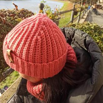 Вязаная шапка из толстых ниток