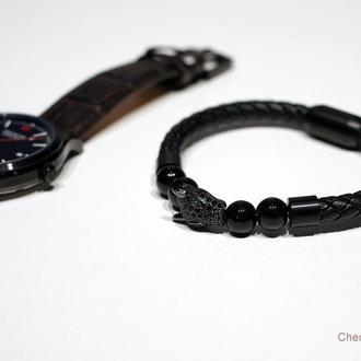 Мужской кожаный браслет с бусинами