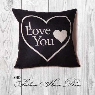 """Декоративна подушка для святкового декору """"BLACK HEART"""""""
