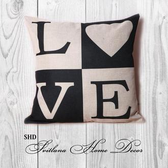 """Декоративна подушка для святкового декору """"BLACK HEART 2"""""""