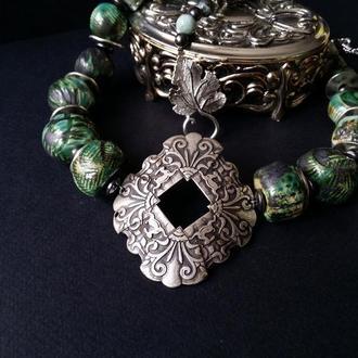 Зеленые этно бусы из керамики и агата