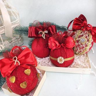 Набор Новогодних шаров Red&Gold 4 шара