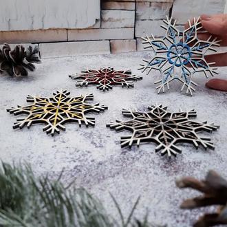 """Новогодние деревянные игрушки на елку """"Снежинки"""" (4шт в наборе)"""