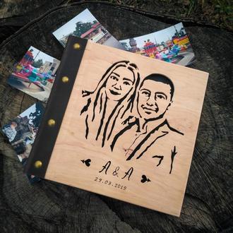 Портрет на обложке фотоальбома из дерева (подарок на свадьбу, на день рождения)