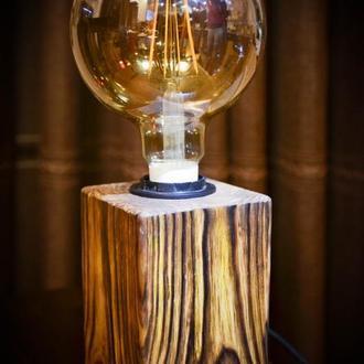 Натуральное дерево. Светильник, настольная лампа из натурального дерева