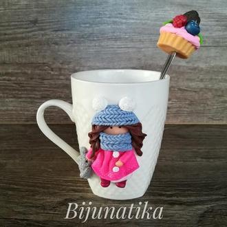 Чашка и ложка с декором