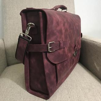 Женский портфель под ноутбук 15,6 дюймов и документы в папках.