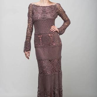 Бежевое вязаное коктейльное макси платье