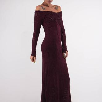 Бордовое вязаное вечернее ажурное макси платье с кружевом