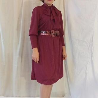 Платье с воротником - бантом