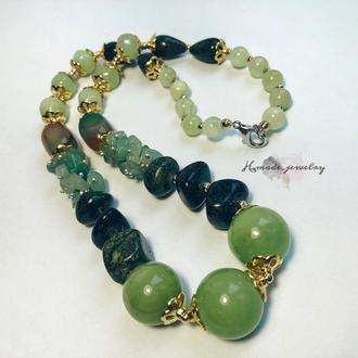 Ожерелье из натуральных камней зеленое
