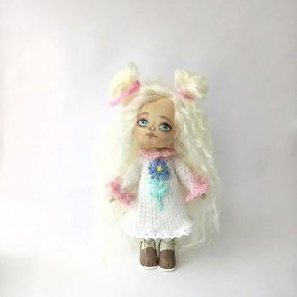 Кукла текстильная интерьерная блондинка с длинными волосами