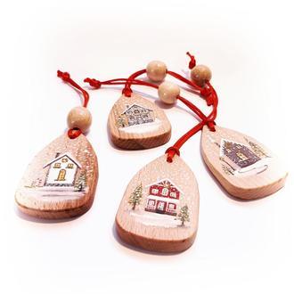 """Новорічні іграшки на ялинку з дерева, набір """"Зимові будиночки"""" 4 шт"""