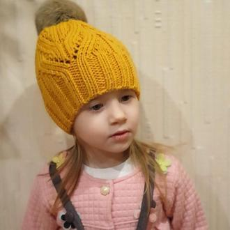 """Детская в""""вязаная шапка с помпоном на 3-6 годиков"""
