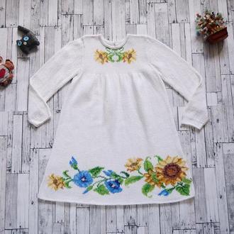 Белое вязаное платье с вышивкой для девочки (8-9 лет), украинский стиль