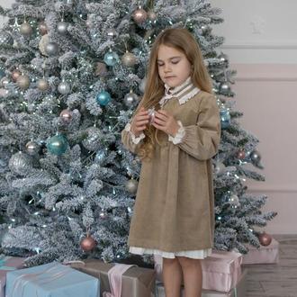 Нарядное платье из вельвета в винтажном стиле