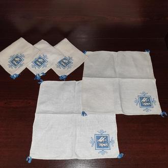 Набор винтажных салфеток с вышивкой