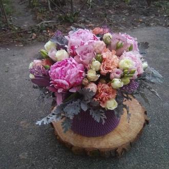 Композиции иция в вазаной коробке Роззета