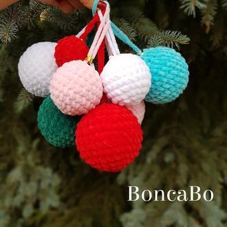Новогодние елочные шары. Плюшевые шарики и гирлянды Подарочные наборы.
