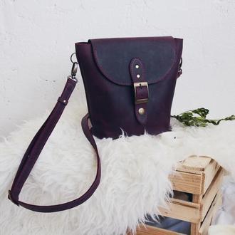 Компактна шкіряна сумка на плечі бордова