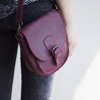 Компактная кожаная сумка на плече бордовый