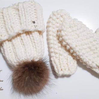 Комплект шапка и варежки из толстой шерстяной пряжи