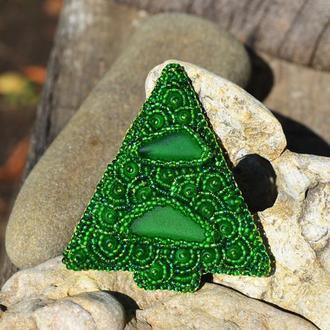 Брошь Елка, Новогодняя елка из бисера, Зеленая вышитая брошь, Новогоднее украшение, Подарок