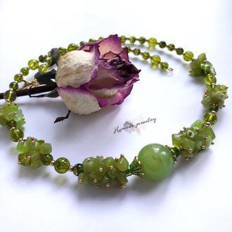 Ожерелье  «Дора» из нефрита и перидота