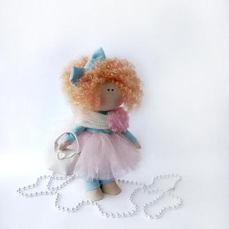 Кукла интерьерная текстильная  с рыжими кудрями.