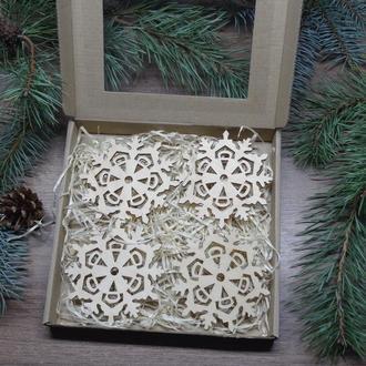 """Набір Новорічних підставок """"Сніжинка 3"""" під чашку на 4 та 6 шт. в подарунковій коробці"""