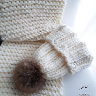 Комплект шапка с помпоном, длинный шарф и варежки