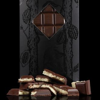 Чорний шоколад з кокосом та кранчем
