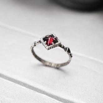 Женское серебряное кольцо 'RED PYRAMID' | женское кольцо с Гранатом | серебряное кольцо с Гранатом