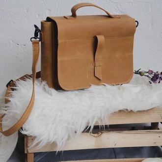 Женская кожаная сумка на скрытом клапане