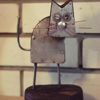 """Статуэтка """"кот"""" из дерева металла и гвоздей"""