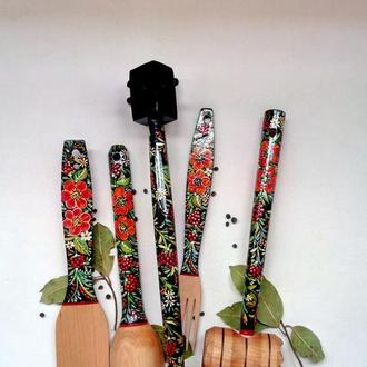 Деревянный кухонный набор на подставке,  авторская ручная  роспись. Петриковская роспись.