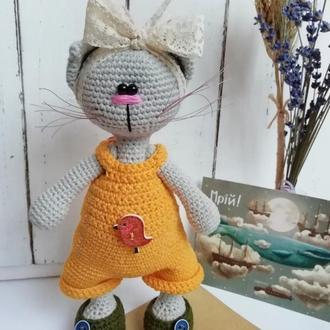 Кошка (вязаный кот)