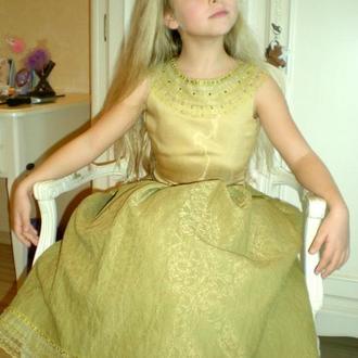 Элитное платье от дизайнера для девочки