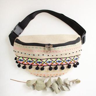 Поясная сумка из плотной ткани с вышивкой